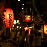海外「思い出横丁で日本のサラリーマンと話すの楽しすぎ!」思い出横丁に行った外国人の反応