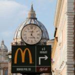 【食】海外「マクドナルドがバチカン近くに出店したよ」→聖徒ドナルドが誕生するの?