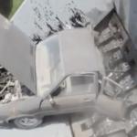 海外「車にも感情がある!」スクラップ工場で機械に飲み込まれる車に外国人、心打たれる!