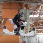 海外「これは未来だ!」ロシアの空飛ぶバイクに外国人から驚きと賞賛の声!