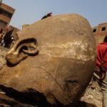 海外「太陽神万歳!」エジプトでラムセス2世の巨大像が発掘!外国人から驚きと賞賛の声!