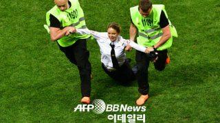 韓国「W杯決勝でフェミニストが競技場乱入して試合中断!ロシアは市民意識が後進国だ」の声