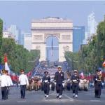 韓国「フランスの独立記念パレードに旭日戦犯旗と自衛隊が登場!ハーケンクロイツに匹敵する」の声