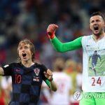 韓国「FIFAは日本の戦犯旗はOKでも、クロアチア代表の友人追悼行為にはなぜ警告するんだ?」