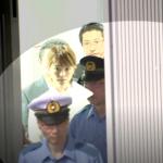 韓国人「吉澤ひとみ容疑者釈放の生中継で日本の警察が取った行動をご覧ください」