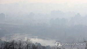 韓国「微細粉塵がソウルを覆った!人が住む世界なのか?助けてください!」の声