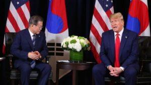 韓国「米韓首脳会談でトランプが欠礼!文大統領を人間扱いしてない!完全にかかし」の声